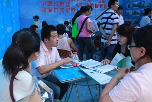 人口老龄化_2012年陕西人口(3)