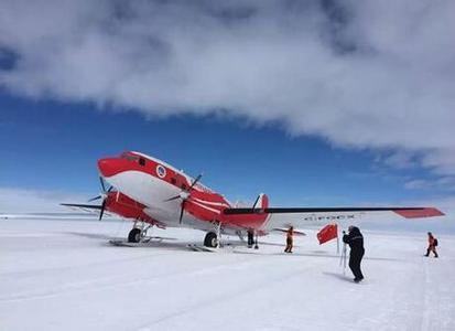 我国首架极地固定翼飞机飞抵南极中山站